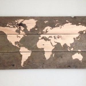 نقشه جهان روی پالت