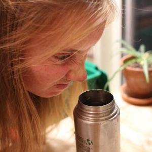 از بین بردن بوی بد بطری یا قمقمه