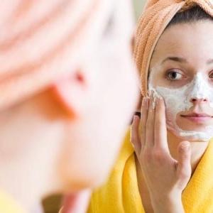 چگونه پوست خود را با ماسک های طبیعی روشن کنیم