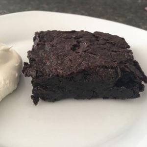 دستور پخت کیک براونی برای افراد آلرژیک